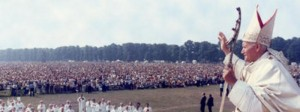 Pope-John-Paul-II-waves-to-crowd